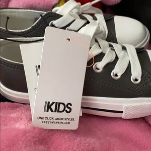 Cottoon on kids shoes